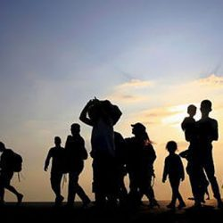 cropped-2015_08_10_europe_migrants_greece-1ash-660×350-1442485075.jpg