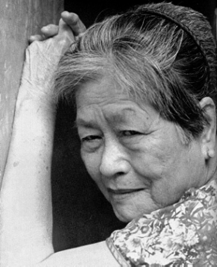 "Lola Rosa at home, March 1996. Maria Rosa Luna Henson. (""Grandma Rosa"") (1927-1997) was the first Filipina who made public her story as a comfort woman (military sex slave) for the Imperial Japanese Army during the Second World War."
